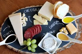 chalkboard cheese plate craft diy serving tray that match with your personality