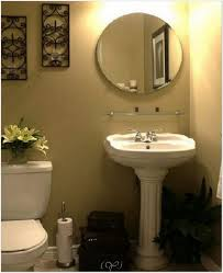 small bathroom decorating ideas apartment decorating bathroom ideas on budget decorate small bathrooms
