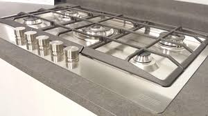 come pulire il piano cottura come pulire il piano cottura d acciaio in vetro temperato o