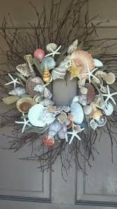 129 best shell wreaths images on pinterest beach wreaths