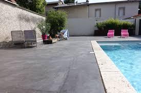 plage de piscine plage de piscine en béton teinté home staging lyon decovalor