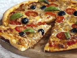 cuisiner thon recette pizza au thon et aux anchois notre recette pizza au thon et