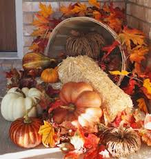 Fall Hay Decorations - 50 cheap and easy diy outdoor fall decorations prudent penny pincher