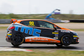 renault rally 2016 renault clio cup benelux 2016 aan de start tijdens spa euro race