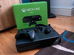 xbox one fan not working xbox head says he s not a fan of launching xbox one and a half