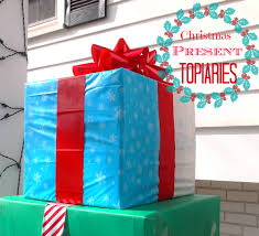 Christmas Outdoor Decor by How To Make An Outdoor Christmas Present Topiary Diy Outdoor