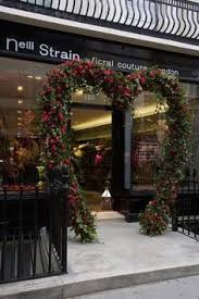 Shop Decoration For Valentine Day by Artist Juliet Hone Has Brought Us Another Beautiful Window