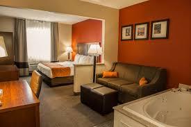 Comfort Suites Indianapolis Airport Indianapolis Hotel Coupons For Indianapolis Indiana