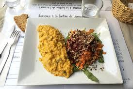 l ivre de cuisine restaurant la cantine de livresse restaurant végétarien à nantes nantaise fr