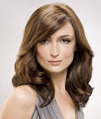 best and hairstyles for women over 40