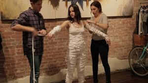 Cleopatra Makeup Tutorial Halloween Costume Ideas Youtube Fabsugar X Holy Tee Diy Mummy Halloween Costume Youtube