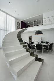 Passamano Per Scale Interne by 25 Spettacolari Esempi Di Scale Moderne Per Interni Mondodesign It
