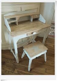 meuble bureau ancien très beau relooking d un vieux bureau d enfant restauration