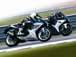 video in depth look at the new 2011 suzuki gsx r750 asphalt