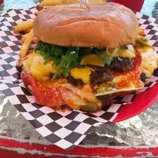 junkyard extreme burgers u0026 brats 135 photos u0026 90 reviews