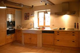 cuisines rustique tradition teinte bois cuisines laurent