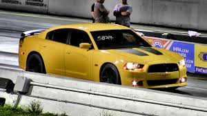 dodge charger srt8 superbee 470 hp 6 4 liter dodge charger srt8 bee 1 4 mile drag race