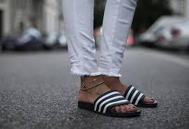 fashion ankle bracelet images Ankle bracelets 101 how to wear anklets glowsly jpg