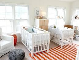 tapis pour chambre de bébé chambre pour bebe lits jumeaux bacbacs tapis pour chambre bebe