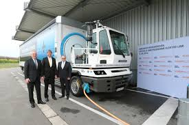 electric company truck bmw is first to deploy an electric 40 ton truck on european roads