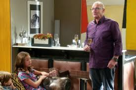 how modern family s botched thanksgiving dinner new