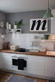 metallregal küche die besten 25 wandregal schwarz ideen auf white