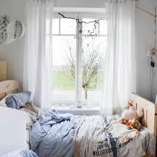Schlafzimmer Fenster Abdunkeln Gemütliche Innenarchitektur Schlafzimmer Gestalten Fenster Bett
