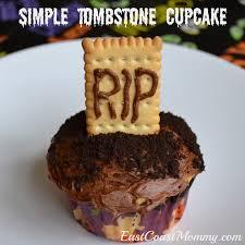east coast mommy simple halloween cupcakes