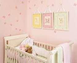 toile chambre bébé fille tableau chambre bébé 30 idées de décoration mignonne