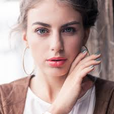 Red Flaky Skin Around Nose And Eyebrows 10 Warning Signs You U0027re Using The Wrong Beauty Products Skin