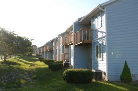 1 Bedroom Apartments Bloomington In Brownstone Apartments Apartments In Bloomington Indiana