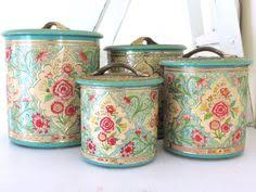 vintage style kitchen canisters the cutest cannister set do you think it s the top