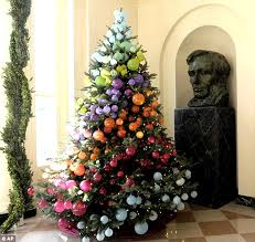 christmas tree themes 5 unconventional christmas tree themes for 2017 all about