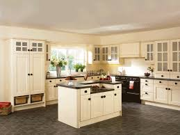 Paint Colours For Kitchen Cabinets by Kitchen Paint Colors With Cream Cabinets Kitchen Paint Colors
