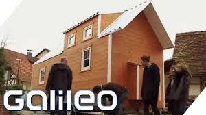 Wie Finde Ich Ein Haus Tiny Houses Häuser Auf Rädern Galileo Prosieben Youtube