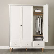 Bedroom Furniture Wardrobes by Best 25 Wardrobe Furniture Ideas On Pinterest Closet Built Ins