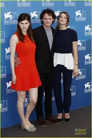 The Ex Alexandra Daddario U0026 Ashley Greene Premiere U0027burying The Ex U0027 In