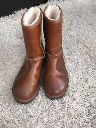 ugg boots in size 11 for s leather ugg boots size 11 ebay
