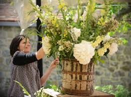 country garden flowers for an oxfordshire farmhouse wedding
