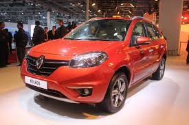 renault koleos 2015 auto expo 2014 renault koleos 4x4 at shown in maple red soulsteer