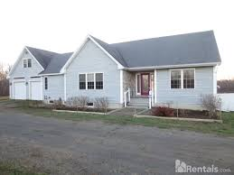 2 Bedroom Apartments For Rent In Bangor Maine Maine Pet Friendly Rentals In Maine Pets Allowed Me