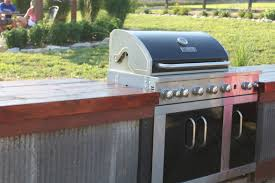 Diy Backyard Grill by Building An Inexpensive Rustic Outdoor Kitchen Old World Garden