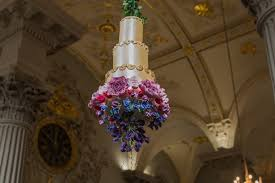 wedding cake glasgow would you risk a wedding cake suspended from the ceiling glasgow