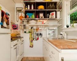 stauraum küche 25 schicke design ideen für kleine küche nützliche vorschläge