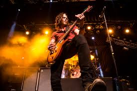 Hit The Floor Reviews - show review alter bridge nonpoint and weapons of anew at voodoo