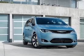2017 chrysler pacifica the minivan is back new on wheels