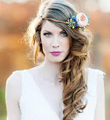 coiffure mariage boheme couronnes de fleurs 10 idées pour une coiffure de mariée