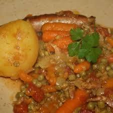 cuisiner les petits pois recette petits pois saucisses simplement cuisine