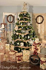 decorated country trees cheminee website