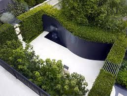 Urban Wall Garden - urban residential garden interiorzine